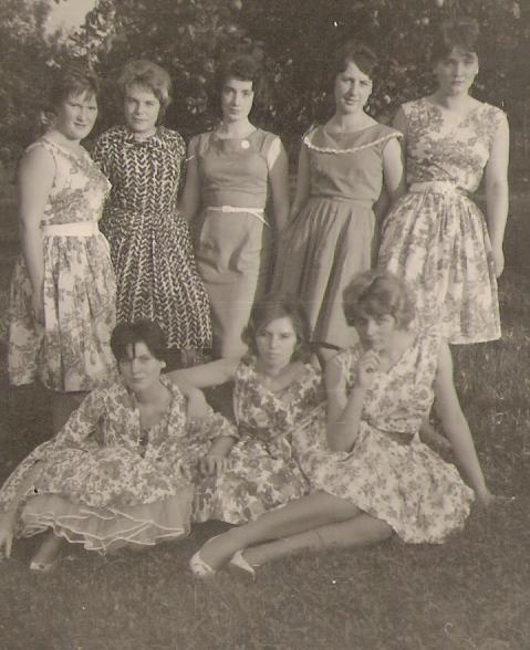Wer sind die jungen hübschen Mädels aus Saubach?