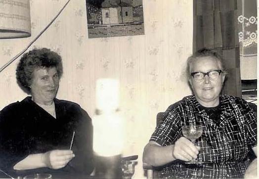 Freundinnen in Niedersaubach: Agnes Alt und Elisabeth Schneiders